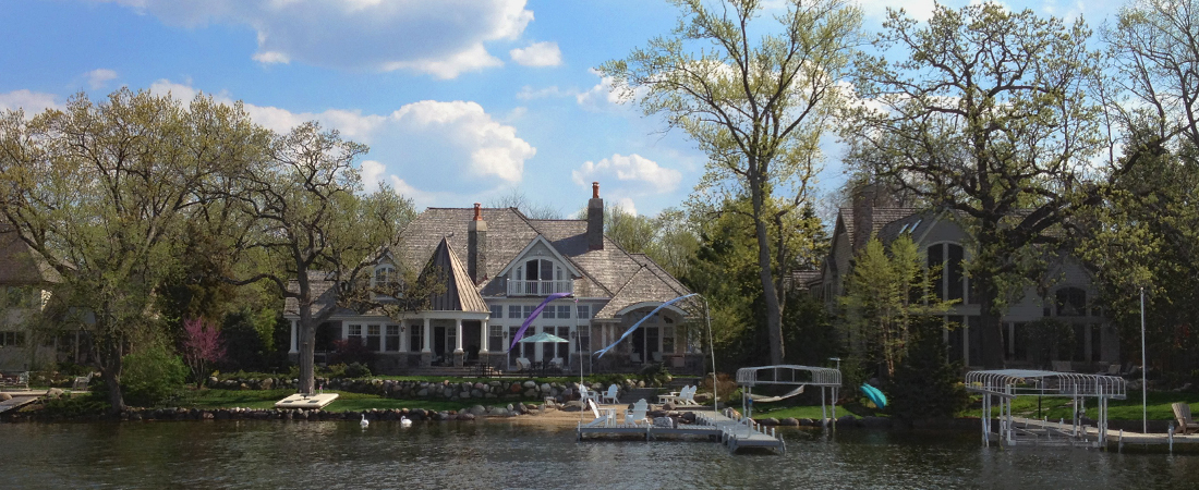 CrystalLakeIL-CustomWaterfrontHome-LakeviewExterior.jpg